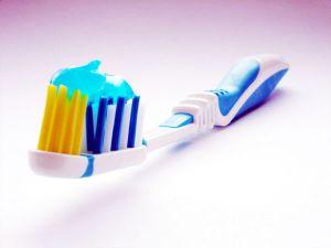 Eine gute Mundhygiene ist Voraussetzung dafür, dass uns unsere Zähne möglichst ein Leben lang erhalten bleiben. Das lernt zumindest in Deutschland jedes Kind schon im Kindergarten. Dank der engagierten Arbeit […]